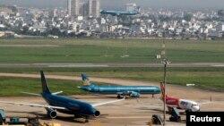 sân bay Tân Sơn Nhất ngày càng quá tải