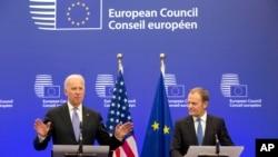 Američki potpredsednik Džo Bajden i predsednik Evropskog saveta Donald Tusk