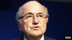 ທ່ານ Sepp Blatter ປະທານອົງການຄຸ້ມຄອງເຕະບານໂລກ ຫຼື FIFA.