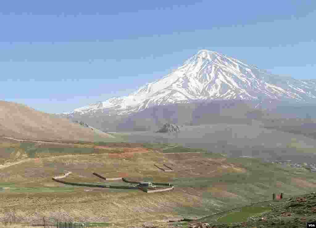 قله دماوند عکس: امین جعفری (ارسالی شما)