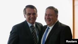 美国国务卿蓬佩奥(右)2019年1月2日会见巴西新总统博尔索纳罗(路透社)