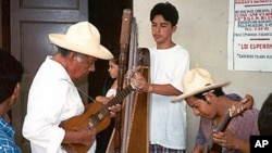 Los Cenzontles students traveled to Mexico to better understand the roots of the folk traditions