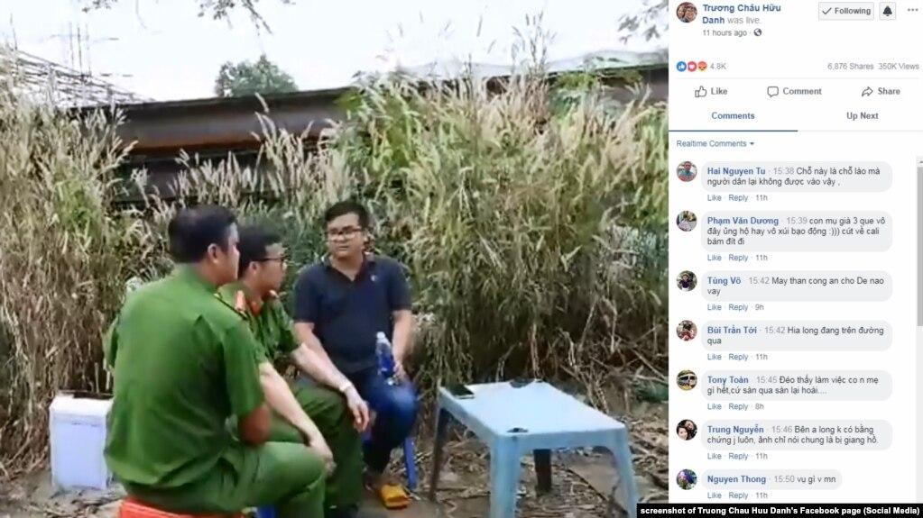 Nhà báo Trương Châu Hữu Danh làm việc với công an hôm 15/1/2019