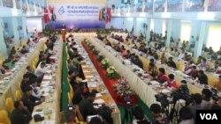 ၂၁ရာစုပင္လံုညီလာခံ တိုင္းရင္းသားေပါင္းစံု တက္ဖို႔က အစိုးရလိုက္ေလ်ာမႈေပၚ မူတည္ဟု UNFC ယူဆ
