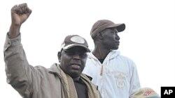 L'opposant Macky Sall (à gauche), à la manifestation du 31 janvier 2012 à Dakar