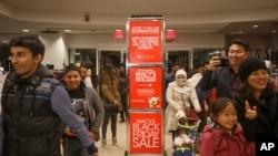 Los hispanos gastan más que cualquier otro grupo poblacional en EE.UU. y aportan un dólar de cada $ 10 que ingresa a la economía estadounidense.