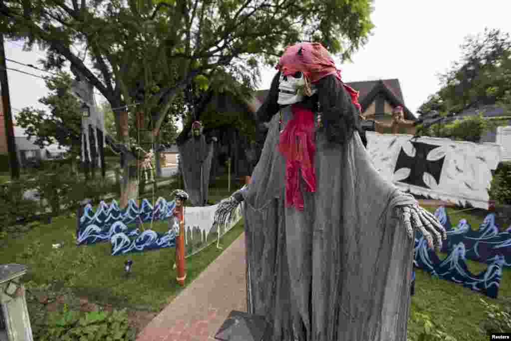 Halloween decorations are pictured outside a home in Pasadena, California, Oct. 27, 2015.