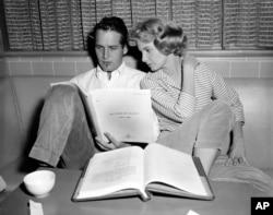 پل نیومن و همسرش جوآن ووروارد