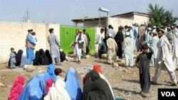 Minoritas Syiah Pakistan dalam perayaan Idul Fitri di daerah Kurram, Pakistan barat laut.