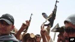آمادگی مخالفین قذافی برای حمله بر آخرین مناطق تحت کنترول قذافی در لیبیا