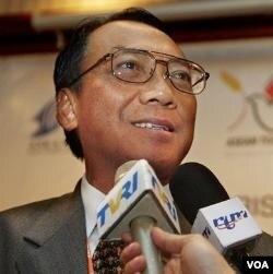 Menteri Energi dan Sumber Daya Mineral (ESDM), Jero Wacik (foto: dok).