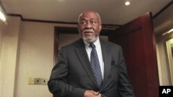 美国前负责非洲事务首席外交官约翰尼.卡尔森