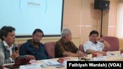 Serikat Perusahaan Pers dalam jumpa pers menilai program verifikasi media oleh DewanPers merupakan salah satu upaya untuk meningkatkan profesionalisme pers di Indonesia. (Foto: VOA/Fathiyah Wardah)