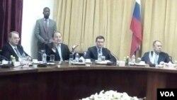 UMnu. Sergey Lavrov uthi ukwele Zimbabwe lapho ahlolisisa khona amathuba amabhizimusi.