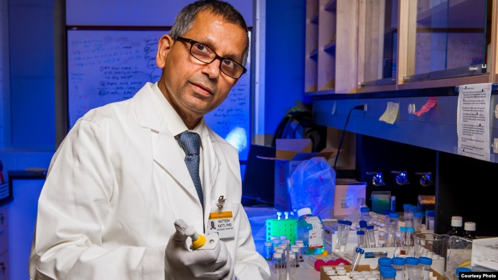 Kattesh Katti, PhD, University of Missouri, prepares gold nanoparticles in his lab.(Credit Justin Kelley, University of Missouri)