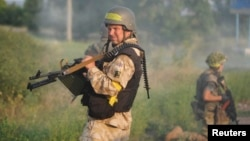 Бойцы украинского батальона «Донбасс» на своих позициях под Первомайском, Украина (архивное фото)