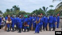 Brilho de Nampula é o nome da campanha de 100 dias para a cidade ficar mais limpa. Moçambique, Março, 2014, Faizal Ibramugy, VOA