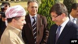 Serokê Herêma Kurdîstanê Mesud Barzanî û Wezîrê Devre yê Tirkîyê Ahmet Davutoglu