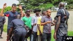 Ba policiers bazali kokengela bato na Brazzaville, 4 avril 2016.