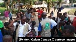Une équipe de l'organisation internationale Oxfam dans une communauté à l'Equateur, RDC, 12 juin 2018. (Twitter/Oxfam Canada)
