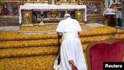 Le nouveau pape François a prié jeudi matin à la basilique Santa Maria Maggiore