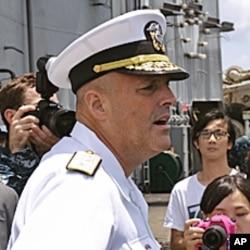 海军少将罗伯特.吉里耶