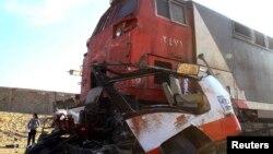18일 이집트 수도 카이로 인근에서 열차와 차량 2대가 충돌하는 사고가 발생했다.