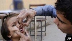 درخواست کرزی از طالبان برای تطبیق واکسین پولیو