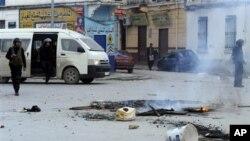 ການຈະລາຈົນໃນ Tunisia ກ່ຽວກັບລາຄາເຂົ້າປາອາຫານແພງແລະ ຈໍານວນຄົນຫວ່າງງານທີ່ເພີ່ມຂຶ້ນນັ້ນ