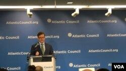 大西洋理事会的斯卡鲁巴2019年5月17日谈中国军事威胁(美国之音黎堡)