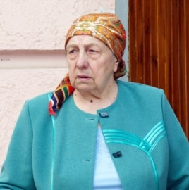 Maria, 81, angry with Kyiv for anti-separatist campaign, May11, 2014 (Jamie Dettmer/VOA)