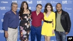 Phim 'Rhino Season' đã đoạt giải Phim Ảnh châu Á Thái Bình Dương năm 2012.