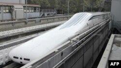 عکس آرشیوی قطار فوق سریع مغناطیسی ژاپن موسوم به مگلو