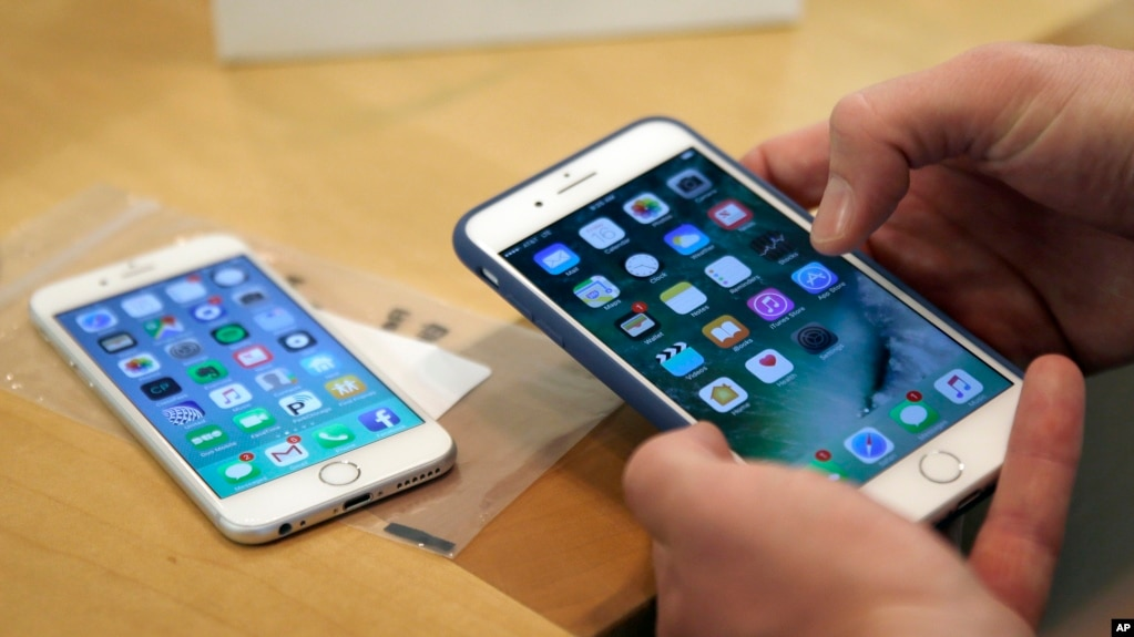 Lawsuit Apple Slowed IPhones Forcing Owners To Buy New Ones