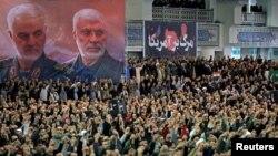 Buổi cầu nguyện ngày thứ Sáu do Lãnh tụ tối cao Iran Ayatollah Ali Khamenei chủ trì ở Tehran, Iran, ngày 17/1/2020. Official Khamenei website/Handout via REUTERS