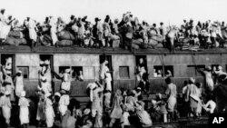 تقسیم ہندوستان کے وقت پاکستان جانے کیلئے ٹرین پر سوار مسلمان مہاجرین