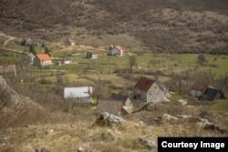 Karadžićevo rodno selo Petnica u Crnoj Gori. (Foto: BIRN)