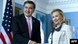 Михаил Саакашвили и Хиллари Клинтон