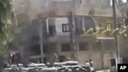 시위대 진압에 동원된 군 탱크