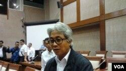 Direktur PT. Pertamina, Dwi Soetjipto mengatakan Pertamina akan mengantisipasi kebutuhan BBM dan LPG terutama ukuran 3 kilogram agar tidak langka menjelang dan sesudah lebaran. Hal tersebut disampaikannya di Jakarta, Jum'at (03/07/2015). (VOA/Iris Gera)