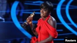 Viola Davis récompensée pour Fences le 26 février 2017.