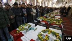 Sirijci odaju požtu žrtvama bombaških napada u Damasku