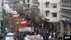 Avrupa'da Borç Krizinin Etkileri Derinleşiyor