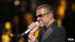 乔治.迈克尔2012年为艾滋病慈善捐款演唱