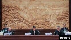 """美国衰落 世界正在""""东方化""""?"""