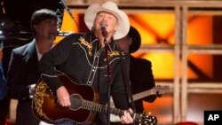 Alan Jackson será presentado al Salón de la Fama de la Música Country en 2017.