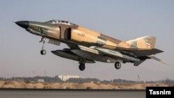 نمونه یک جت اف ۴ ایران
