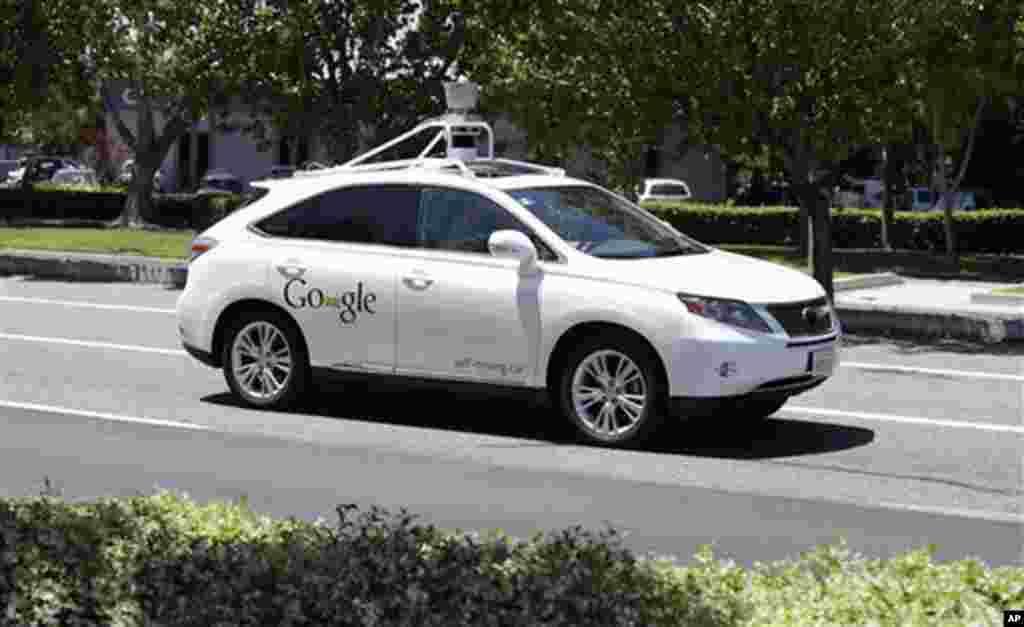 گوگل کی خودکار گاڑی ٹیسٹ ڈرائیو کے دوران