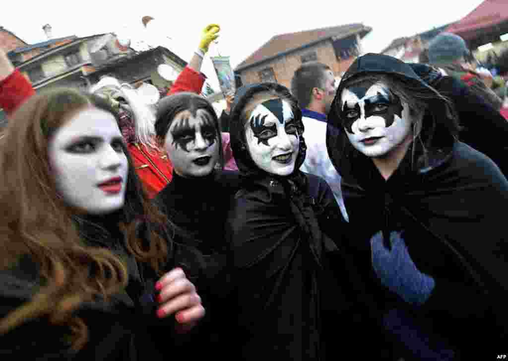 Парад пройшов навіть у містечку Вевкані, Македонія.
