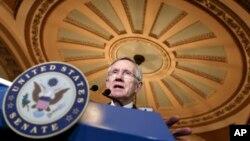 El senador Harry Reid dice que acuerdo nuclear con Irán reduce ambiciones militares de Teherán.
